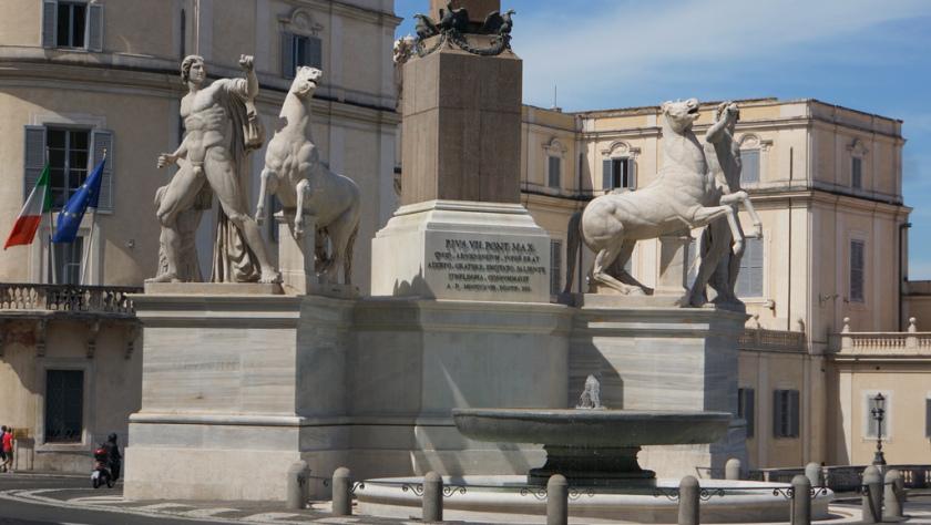 03-28-fontana-dei-dioscuri3.6c5520f6.jpg